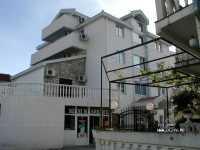 Villa Azzuro ����