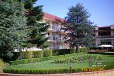 Evrika Beach Club Hotel ����